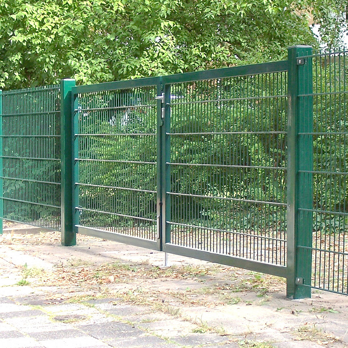 Doppelstabmattenzaun Tür + Tor 2 Wahl - B Ware Sonderangebote Zaun ...